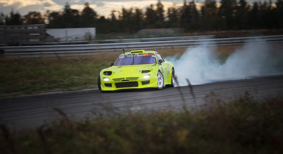 Mazda RX-7 Drift Car 8