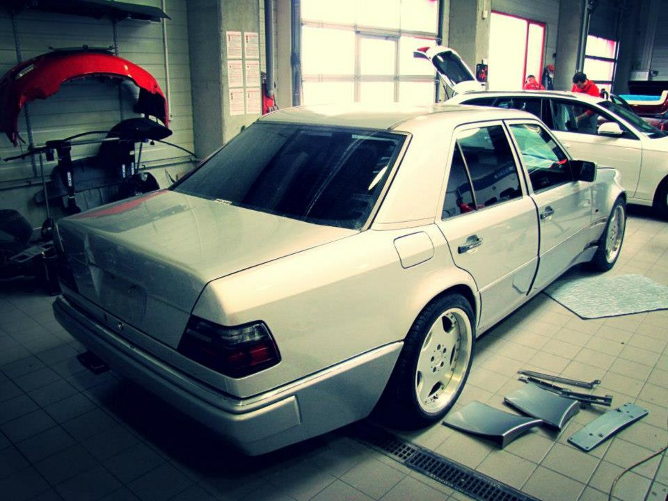 Mercedes-Benz W124 E 60 AMG Overdrive