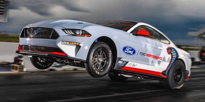 Електрическият Ford Mustang Cobra Jet 1400 удари 8 секунди на ¼ миля [Видео]