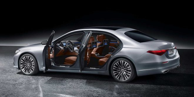 Maybach S-Class излиза през ноември, следван от AMG S63e и S73e