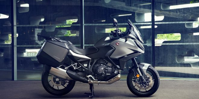 Представят мотоциклета 22YM HONDA NT1100